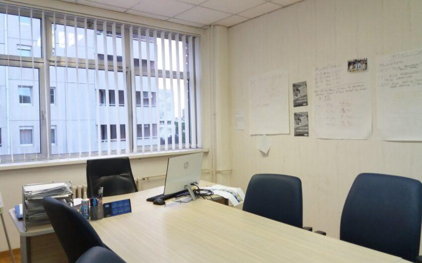 Poslovni prostor u poslovnoj zgradi, 110m2