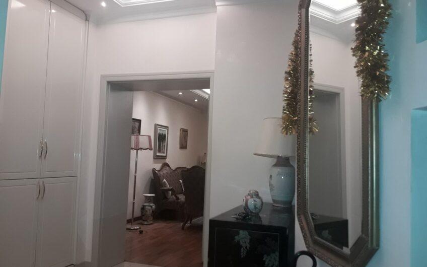 Izuzetan salonac u centru, 106m2, 4.0, renoviran
