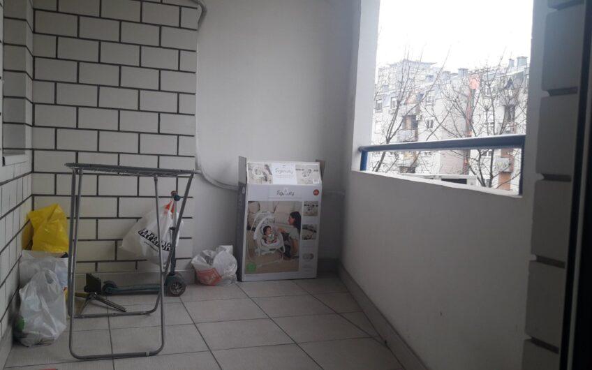 Blok 63, ul. Gandijeva, 71m2, 2.5, renoviran