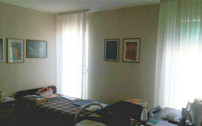 Izuzetna ponuda, lep stan sa velikom terasom, 3.0