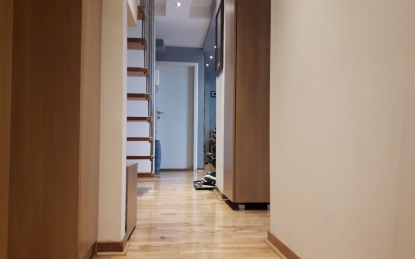 Atraktivan duplex idealan za višečlanu porodicu