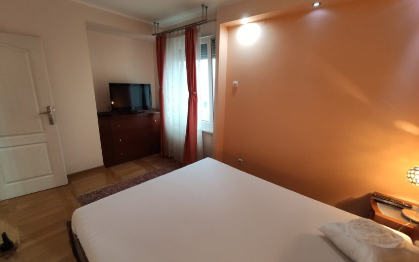 Luksuzan stan u bloku 30, 100m2, 3.5, namešten